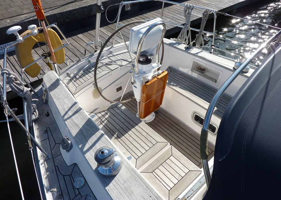 Victoire 1122 te koop jachtmakelaar yachting company for Exterieur interieur