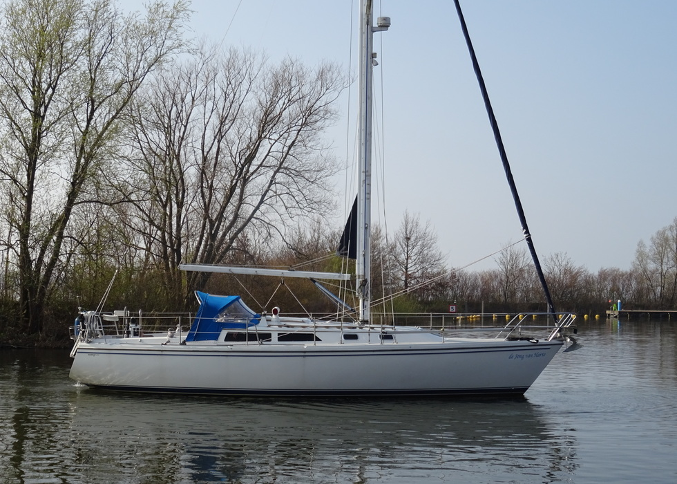 Catalina 36 For sale - € 36500 - Yachtbroker Yachting